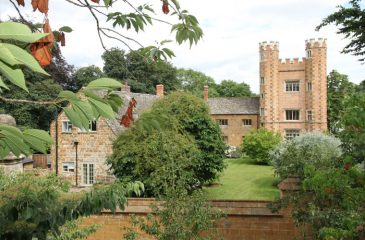 HANWELL CASTLE OXFORDSHIRE RESIDENTIAL DECORATING